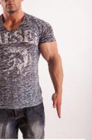 Arm moving reference jeans tshirt of Sebastian 0001