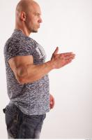 Arm moving reference jeans tshirt of Sebastian 0014